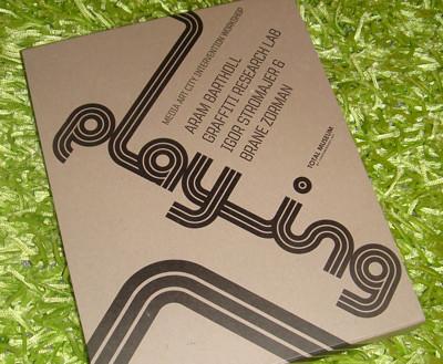 seoul-playing-2